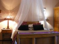 Double bedded room: Ossie the Ostrich