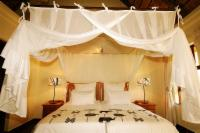 Luxury Room: Twin Beds & Private Patio
