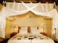 Luxury Room: King Bed & Private Patio