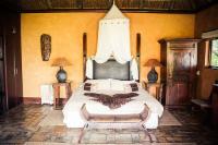 The Sunbird Suite (Honeymoon Suite)