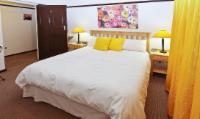 Queen Room 8