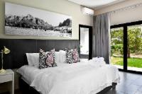 Luxury Vineyard Room Bath & Shower