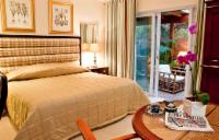 Double (Room 3)En-suite with kitchenette