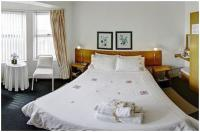 Double bed, sea facing, en-suite shower