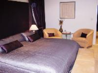 King OR twin suite Room 4