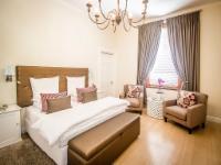Luxury - Honeymoon Suite