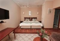 Country Room 5