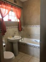 4 Sleeper, ground floor, double bathroom