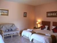 Room 7 Twin Room / Tripple Room