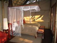 Rhino Post Safari Lodge - Twin room