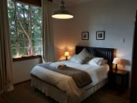 Queen bedroom with full en-suite