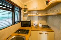 Self Catering A6