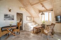 Loft Suite-delightful, light and bright