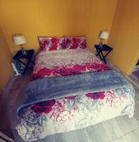 Room 8 Outside x 1x Double bed