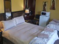 Room 4 Double Bed - Ground floor