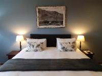 King/Twin Sea View Lodge Room