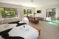 Room 6 Self Catering Deluxe Family Suite