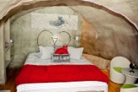 Dung Beetle Suite queen bed