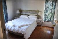 3 Bedroom 6 Sleeper sea-facing cottage