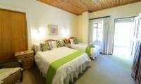 Classic suites: Family room