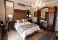 Room 6 Queen En-Suite