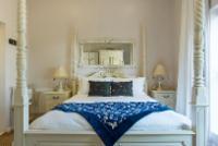 Merlot Standard Queen Room