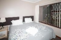 2 Bedroom Flat (B+B / S catering)