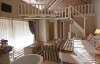 Archeda Suite (DOUBLE SUITE)