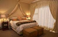 The Pool Room (DOUBLE ROOM)