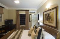 Tiberius Deluxe Queen Room
