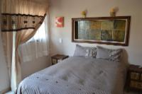 Deluxe Double bed (double & single bed)
