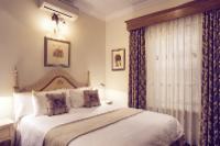 Petite Rooms