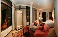 Executive Suite (Honeymoon Suite)