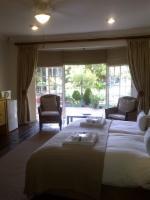 Double/Single En-suite (Garden Access)