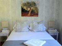 Room 3 Olive