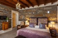 King Bed Room with en-suite shower