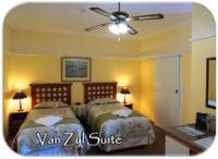 Twin Beds / King W/Chair acc