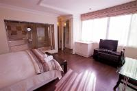 Room 8 Luxury Executive En-suite