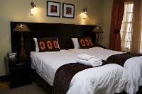 Room 2 (luxury self-catering room)