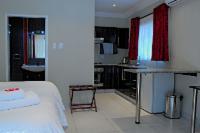 Room 7 (luxury self-catering room)