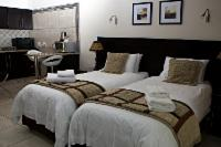 Room 5 (luxury self-catering room)