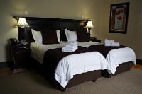 Room 6 (luxury family room)