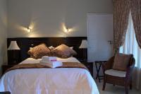 Room 8 (standard double room)