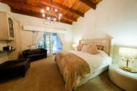 Standard Garden Manor House Suite 5