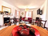 Huguenot Cottage 1