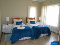 Room 2 - King or Twin beds
