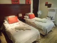 Pembi Small studio 2 single beds