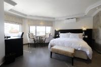 Luxury Hotel Room 3