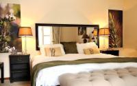 Luxury Suite - King with full bathroom