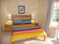 Queen room - 2m bed - Thomas Bain
